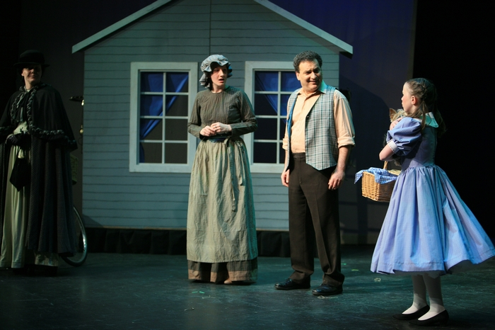 Judy Dunsmuir, Trisha Beeney, Gary Silberg and Natalie Mack in Wizard of Oz