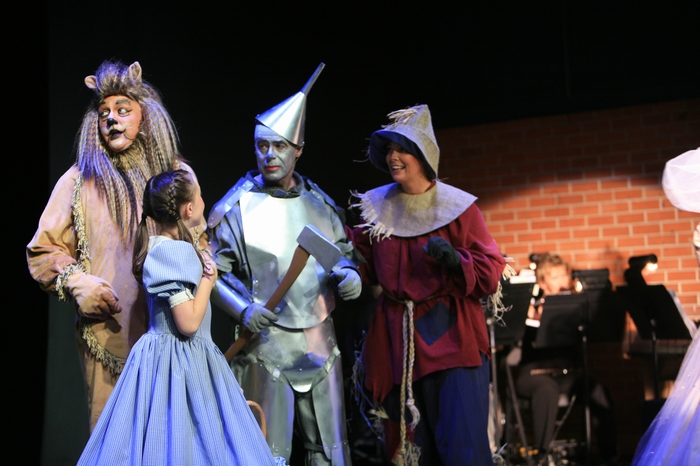 Carl Bishop, Natalie Mack, Mike Johnson and Heather Oystryk in Wizard of Oz