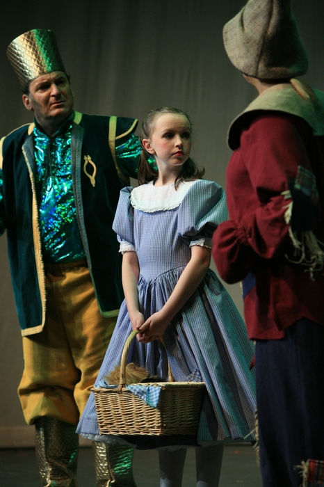 Gary Silberg, Natalie Mack and Heather Oystryk in Wizard of Oz