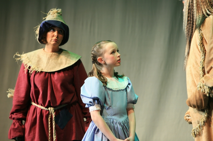 Heather Oystryk and Natalie Mack in Wizard of Oz