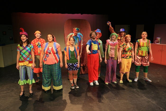 Christine Horne, Darren Stewart, Jolene Anderson, Jennifer Mikla, Chris Willott, Janos Zeller, Omar Escobar, Charlotte Loeppky, Heimen Van Essen, Heather Smuda and Krista Willott in Godspell