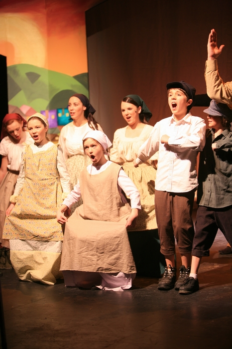 Emily Sunderland, Hannah Cinel, Crystal May, Natalie Mack, Natalie Manz, Quinn Lazenby and Jake Sunderland in Fiddler on the Roof