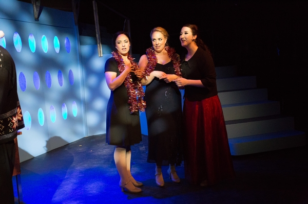 Lyndsey Paterson, Nicole Bouwman and Nicole Heide in Catch Me If You Can