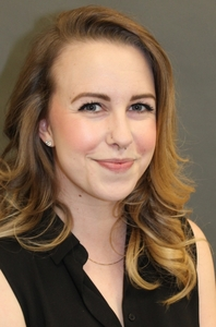 Liz Lipton's Headshot from The Wedding Singer